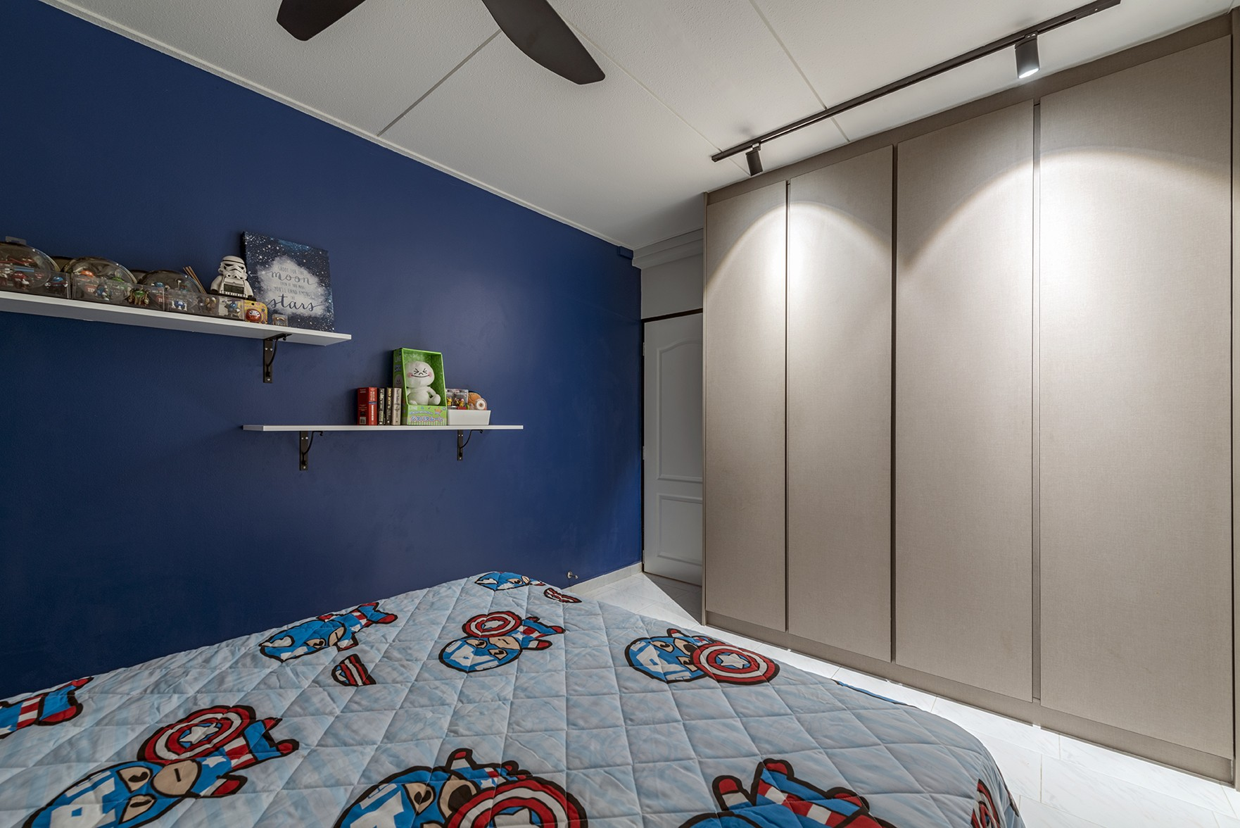 blue hdb bedroom